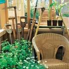 Večkratna uporaba: naslanjač – in rastlinjak že postane prostor za sedenje, zaščiten pred vremenom.