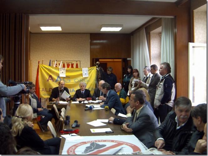 Novinarska konferenca AAG - term nov. 2012