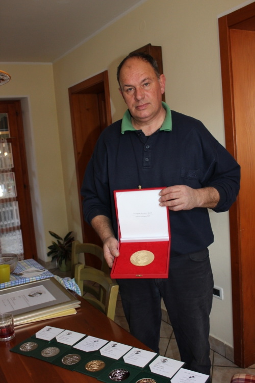 Vina Zgonik  so prejela priznaja za najbojšo rdčeo zvrst cabernet sauvignonain merlota 2012, na  ocenjevanju na Festivalu vin v Ljubljani, Gornji Radgoni in tudi Finger lakesu v ZDA