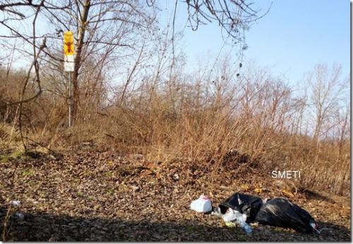 smeti ob reki savi v zalogu