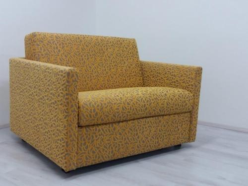 Sedežna garnitura ARABELA  ali bolj komforten fotelj s funkcijo solo ležišča dim. 100(š) x 195(l) x 11 (d) cm ... skupne dolžine 124 cm.<br> OŽJA OPIRALA (8 cm).<br> V mesecu juniju v AKCIJI !