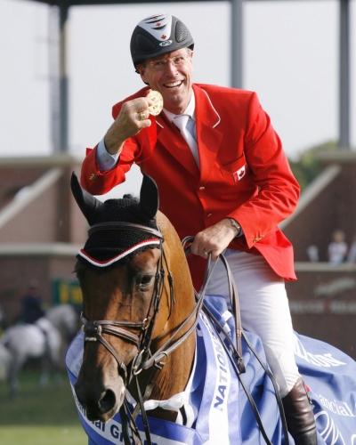Ian Millar, pri 61 letih najstarejši dobitnik olimpijske medalje leta 2002 v Hong Kongu.