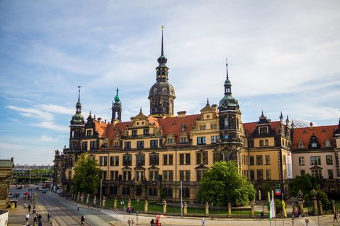 Dresden Castle, vir: http://traveldigg.com/wp-content/uploads/2016/09/Dresden-Castle-Germany.jpg
