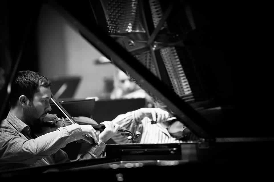 Orkester Slovenske filharmonije<br> dirigent György Győriványi Ráth<br> Dubravka Tomšič Srebotnjak klavir<br> Wolfgang Amadeus Mozart: Figarova svatba, uvertura, K. 492<br> Wolfgang Amadeus Mozart: Koncert za klavir in orkester v D-duru št. 26, K. 537<br> Franz Schmidt: Simfonija št. 4 v C-duru