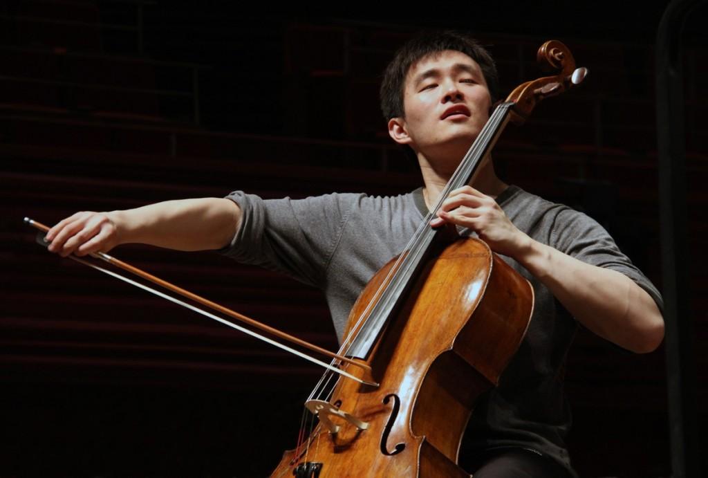 Violončelist Nie Jiapeng in Orkester Slovenske filharmonije ...