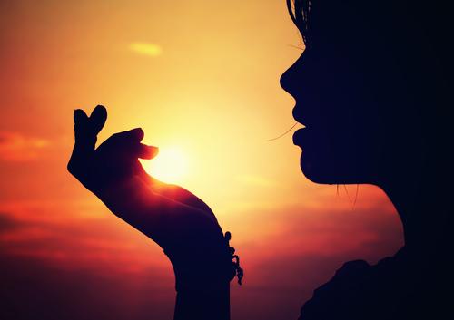 sonce v dlaneh