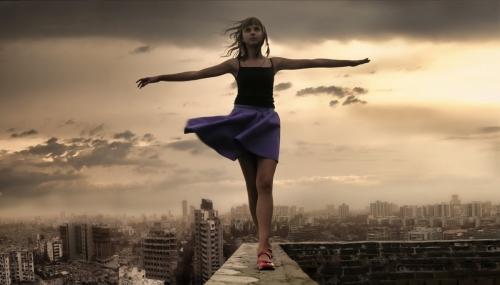 dekle, veter, oblaki = nihalo