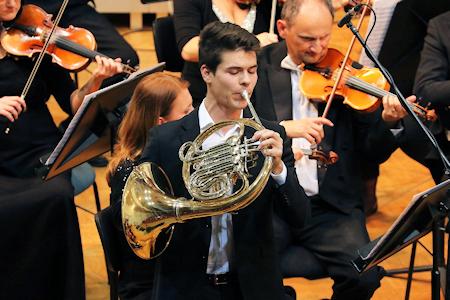 Hornist Jernej Cigler (foto Gero Angleitner)