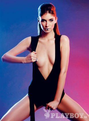 ... manekensko kariero je začela pri petnajstih letih. Pred nekaj meseci je pozirala tudi za slovenski Playboy.