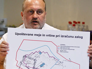 ... Milan Medved, oče projekta T6, pa na veliko plete v ozadju.