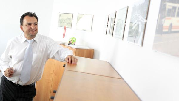 Po zaslugi dveh soprog. Za ključnega zaupnika mariborskega župana Andreja Fištravca velja Bernard Majhenič, ki ga je župan že postavil za šefa dveh občinskih podjetij, Marproma in Snage.