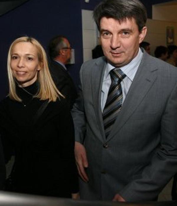 Tanja Pak in Jožef Školč imata tudi enega sina, še iz časov, ko sta bila skupaj - pred ločitvijo ...