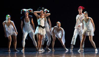 ...dobila priložnost, da koreografira del baletnega večera posvečenega skaldatelju Igorju Stravinskemu. Otroci z roba resničnosti je bil uvod v ta baletni večer.