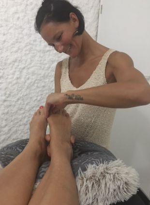 Ljubica in njene roke Kia Kaha delajo čudeže na mojih nogah.<br>