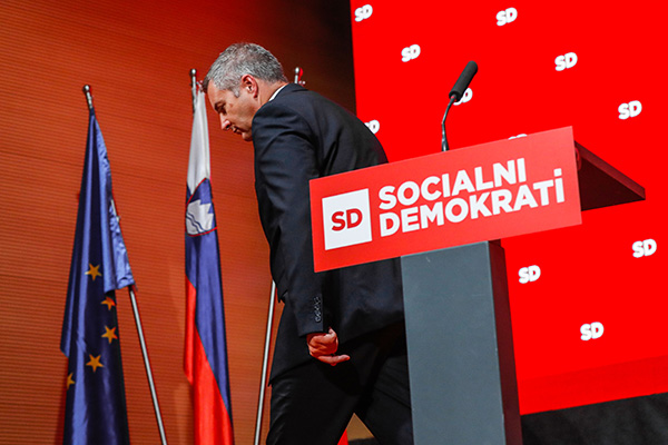 Židan govori, da v SD radi nastavijo hrbet in grenko pogoltnejo. In oba njegova kongresna govora sta skupaj tajala manj kot 13 minut?! (STA)
