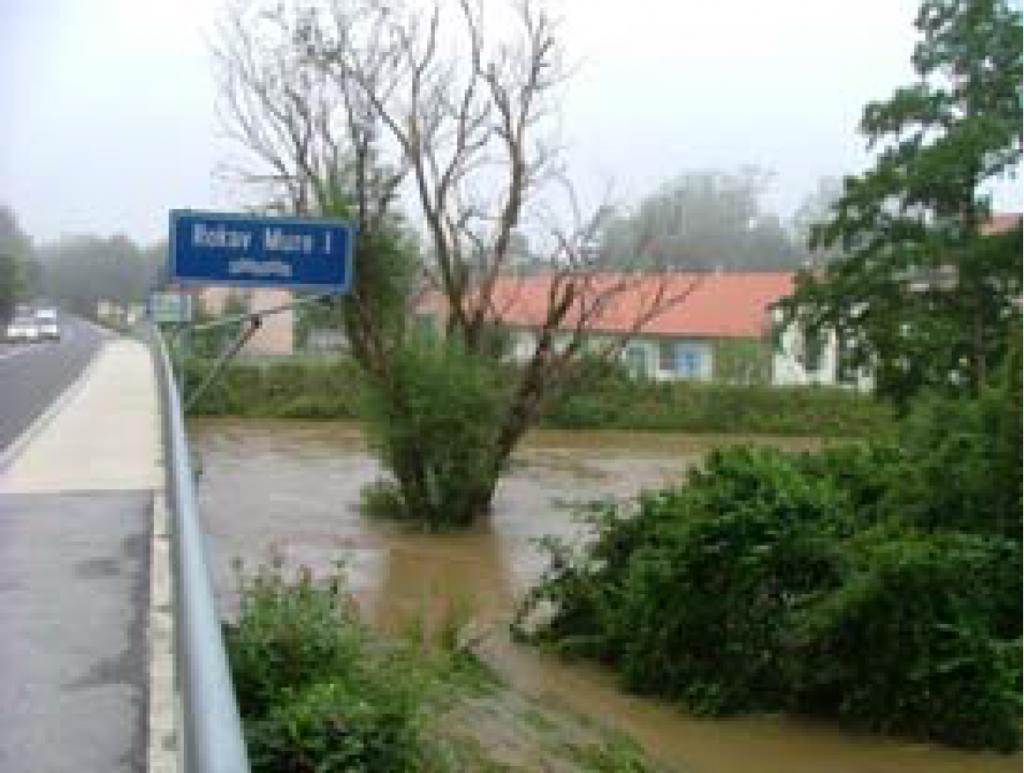Fotografija 13: Mura v Radencih / 22.8.2005, ob 13 uri