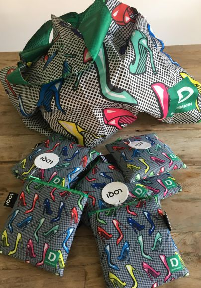 Desetim glasovalcem bomo podelili po eno nakupovalno torbo.<br>