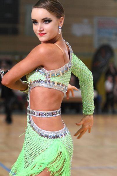 Laura Walter je zmagovalka glasovanja za najbolj ´wau´ obleko. (Foto: Marko Mesec)<br>