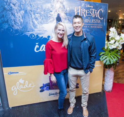 ... voditelj, maneken in lastnik The Key Escape Room Taiji Tokuhisa s svojo ženo Ano Žlender Tokuhisa, strokovnjakinjo za marketing in stike z javnostjo ...<br>