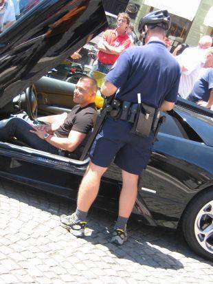 ... in policist je gladko oglobil lastnika prestižnega avtomobila, podjetnika Roka Furlana.<br>