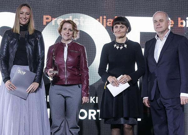 Katja Leben (na sliki levo) med sodelavci Future na Sofu.