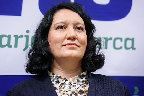 Katja Damij je trenutno lastnica in direktorica podjetja Lartis, ki se je prej imenovalo Temna luna d.o.o., registriranega za vse, od peke kruha do izdelave parfumov. Ni da ni ...