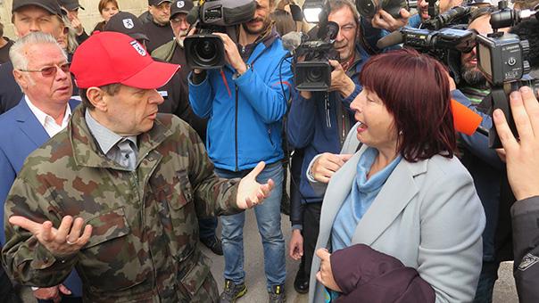 Andrej Šiško in njegova odvetnica Lucija Šikovec Ušaj po koncu sojenja v Mariboru, 29. marca