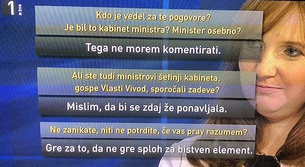 Simona Drenik med oddajo Tarča na TV Slovenija.