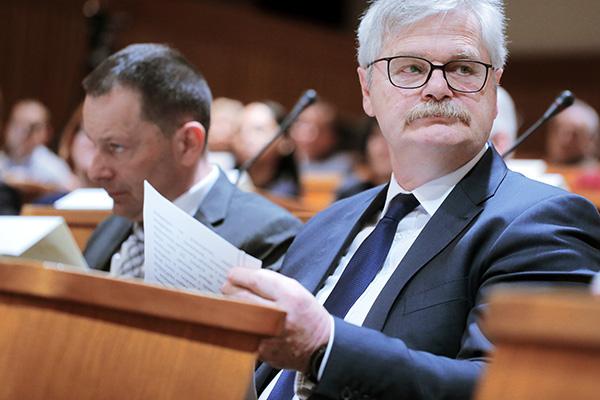 Na Komisiji za preprečevanje korupcije, ki jo vodi Boris Štefanec, pravijo, da so naš članek vzeli kot prijavo suma korupcije. (foto: STA)