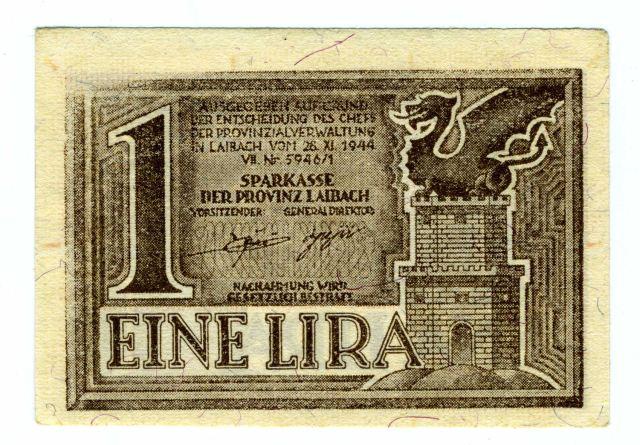 1 LIRA (RUPNIKOVA LIRA)<br>Šef pokrajinske uprave Ljubljana je 28. novembra 1944 izdal odlok o izdaji bankovcev manjših vrednosti. To nalogo je pod pokroviteljstvom italijanske emisijske banke izvedla Hranilnica Ljubljanske pokrajine. Denar je bil natisnjen na eni strani v slovenskem, na, na drugi v nemškem jeziku. Za izplačilo v t.i. Rupnikovih lirah, ki so bile v obtoku v Ljubljanski pokrajini do konca druge svetovne vojne, je jamčila Banca d'Italia.  <br>Foto: Branko Babić<br>