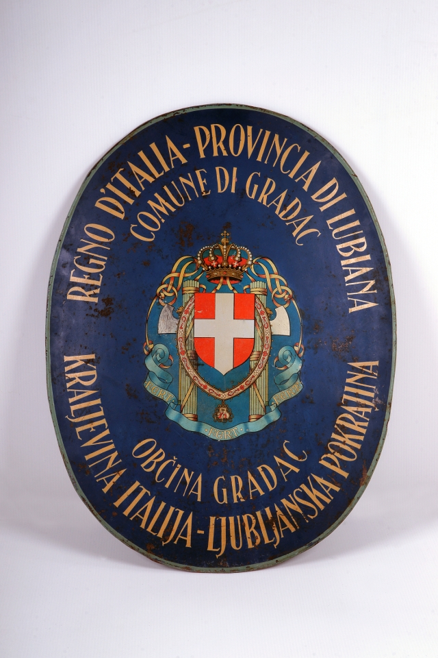 ITALIJANSKA NAPISNA TABLA<br> 1941, Gradac<br> Inv. št.: P 23