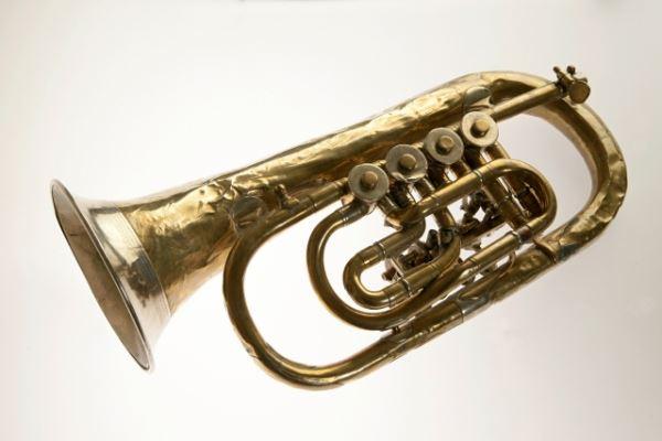 Krilni rog »B«   <br>Izdelovalec: A. Stowasser K.k.a.pr. Instrumenten Fabrik Graz<br>Inv. št. Z 1465
