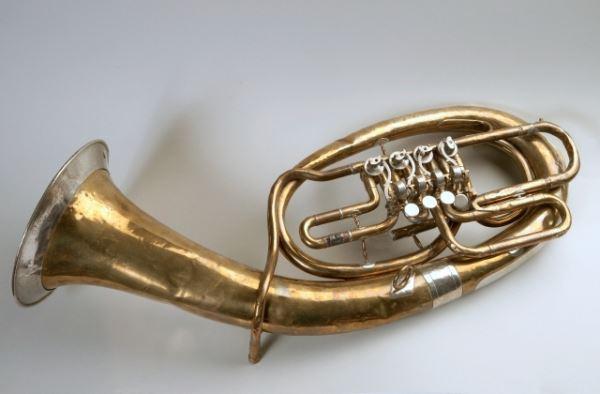 Bariton                            <br>Izdelovalec: Ljudevit Horn proizvod. glazbala Apatin<br>Inv. št. Z 2678