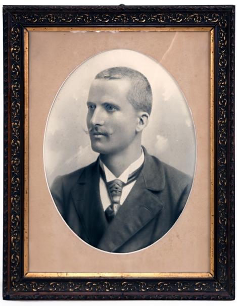 Fotografija v okviru<br>Portret Antona Muche, 1906<br>inv. št.: Z 6901