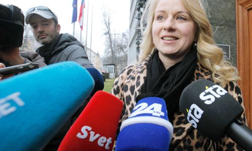 Danes Klavdija Perger, prej pa Klavdija Markež, kot ministrica Cerarjeve vlade.