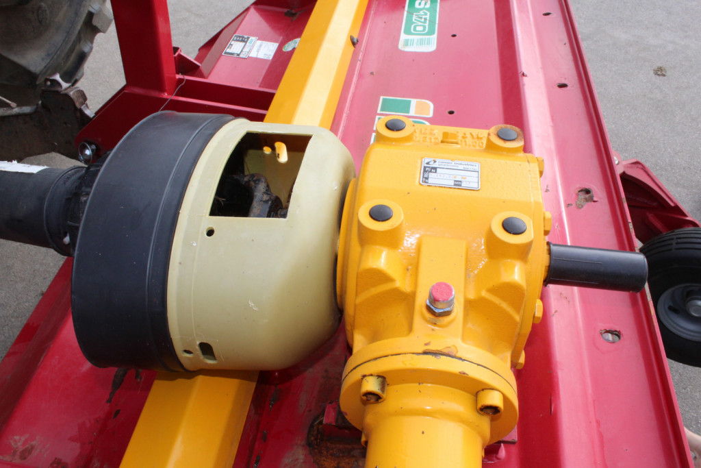 Multiplikator je ojačan in omogoča vrtenje rotorja s hitrostjo 3000 vrtljajev na minuto.