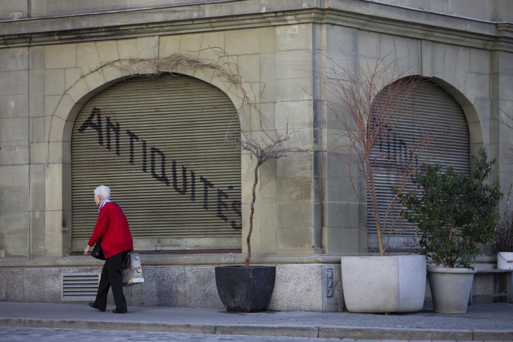 Zaradi velike gospodarske škode v Švici razmišljajo ali po veliki noči odpreti vrata restavracij in trgovin