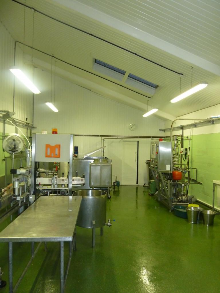 Prostor za predelavo mleka na kmetiji