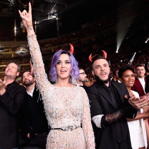 Grammys: Devil horns - Business Insider