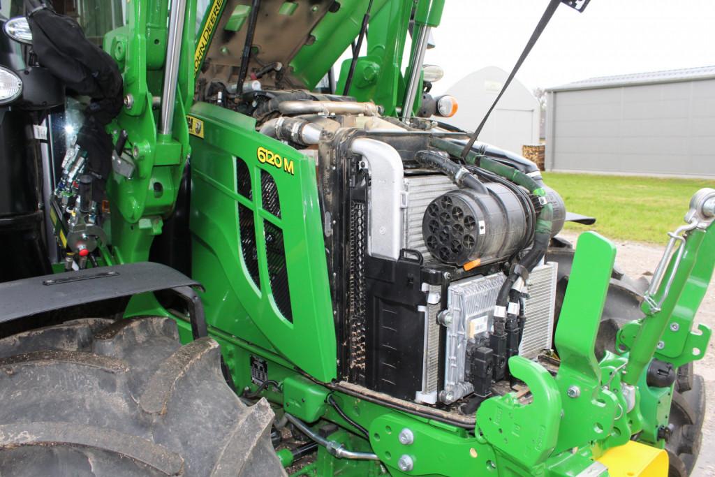 Dostop do motorja je precej otežen zaradi številnih sklopov, ki so namenjeni predvsem čistejšemu izpuhu in izpolnjevanju okoljskih normativov stopnje V.