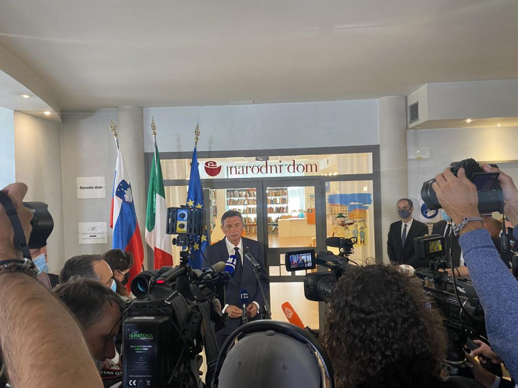 """Nagovor PRS v Narodnem domu: """"Imamo priložnost, da se od zdaj naprej 13. julija ne spomnimo le požiga Narodnega doma, temveč tudi vrnitve Narodnega doma v last Slovencem."""