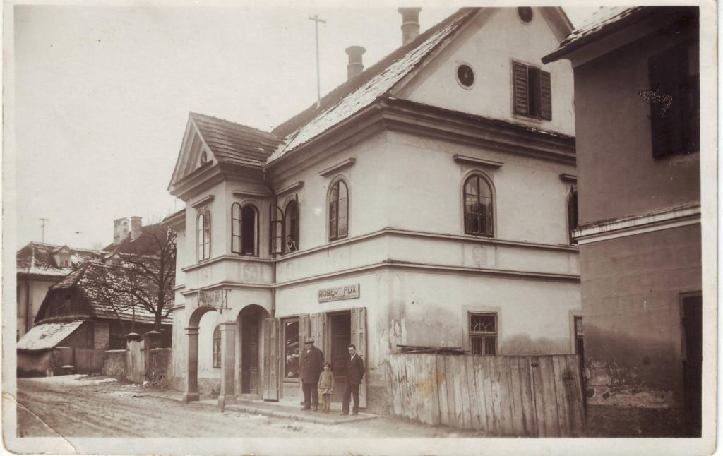 Hiša na metliških Dragah, okoli 1930.<br> Hrani: Janez Dular, Ljubljana.