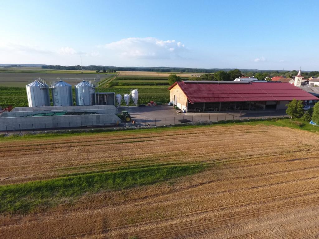 Kmetija na robu mesta.