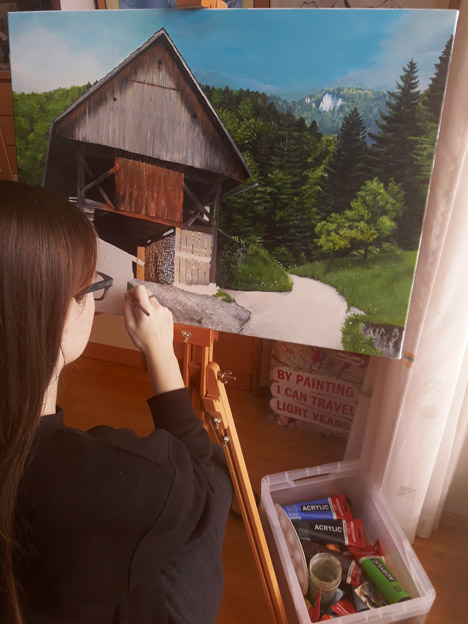 Helenina slika domačega kozolca dvojnika bo kmalu končana