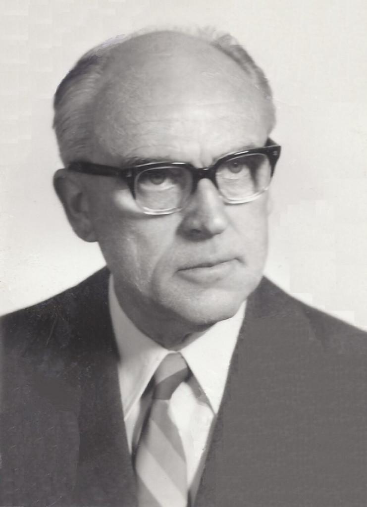 Prof. Božidar Magajna, Andrejev oče, mu je bil vedno tudi velik vzornik in prijatelj. Med vojno je bil zaposlen kot diplomirani inženir elektrotehnike na Radijski redakciji v Ljubljani. Ilegalno je pomagal odporniškemu gibanju, med drugim s pretihotapljeno elektroniko pri vzpostavitvi radia Kričač. / vir slike: Osebni arhiv Andreja Magajne.