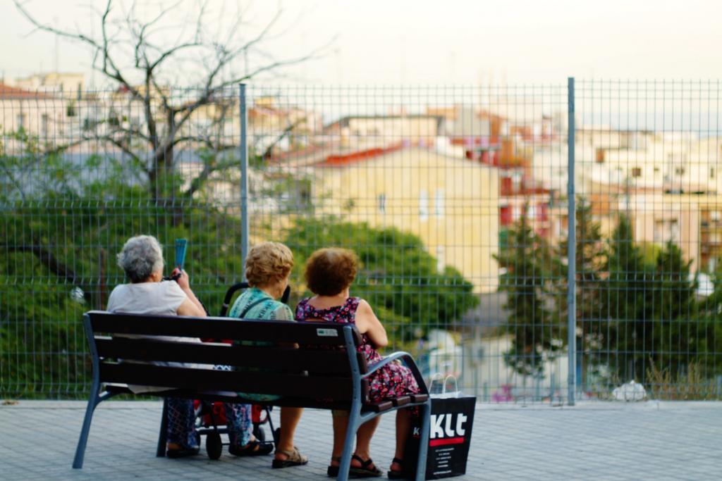 Kot aktivni državljan je Miha Burger tudi kot nosilec pobude za pravične pokojnine v okviru gibanja Povežimo Slovenijo. / vir slike: Pixabay.