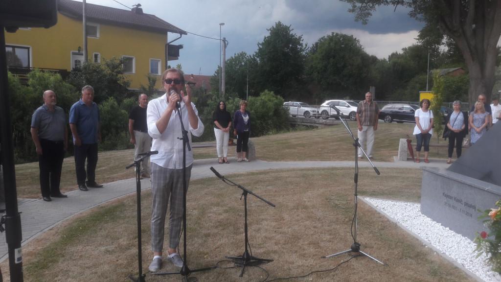 Gianni Rijavec je zapel slovensko himno