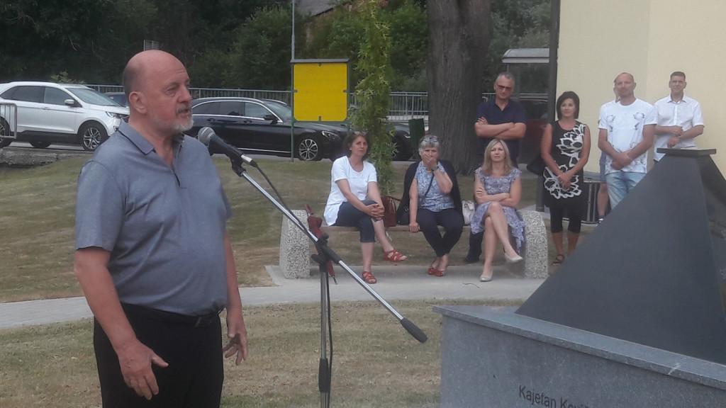 Svečani govorec na občinski proslavi v Hrastje Mota je bil državnozborski poslanec in predsednik SNS Zmago Jelinčič Plemeniti