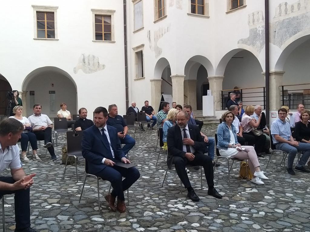 Gost pogovornega večera ob 30-letnici osamosvojitve je bil predsednik Državnega sveta ES Alojz Kovšca (Foto: Zofija Hafner)