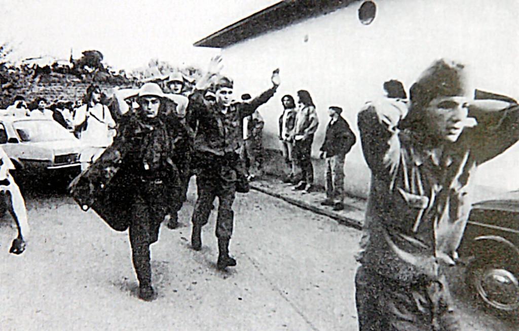 Večina pripadnikov JLA se je predala, zvezni policisti in cariniki pa so selo skušali pobegniti v sosednjo državo, vendar so jih tamkajšnje varnostne službe vrnile-